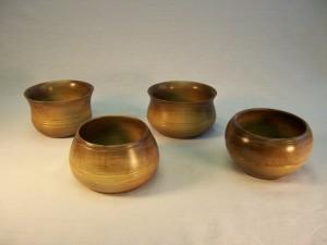 Bowls in walnut